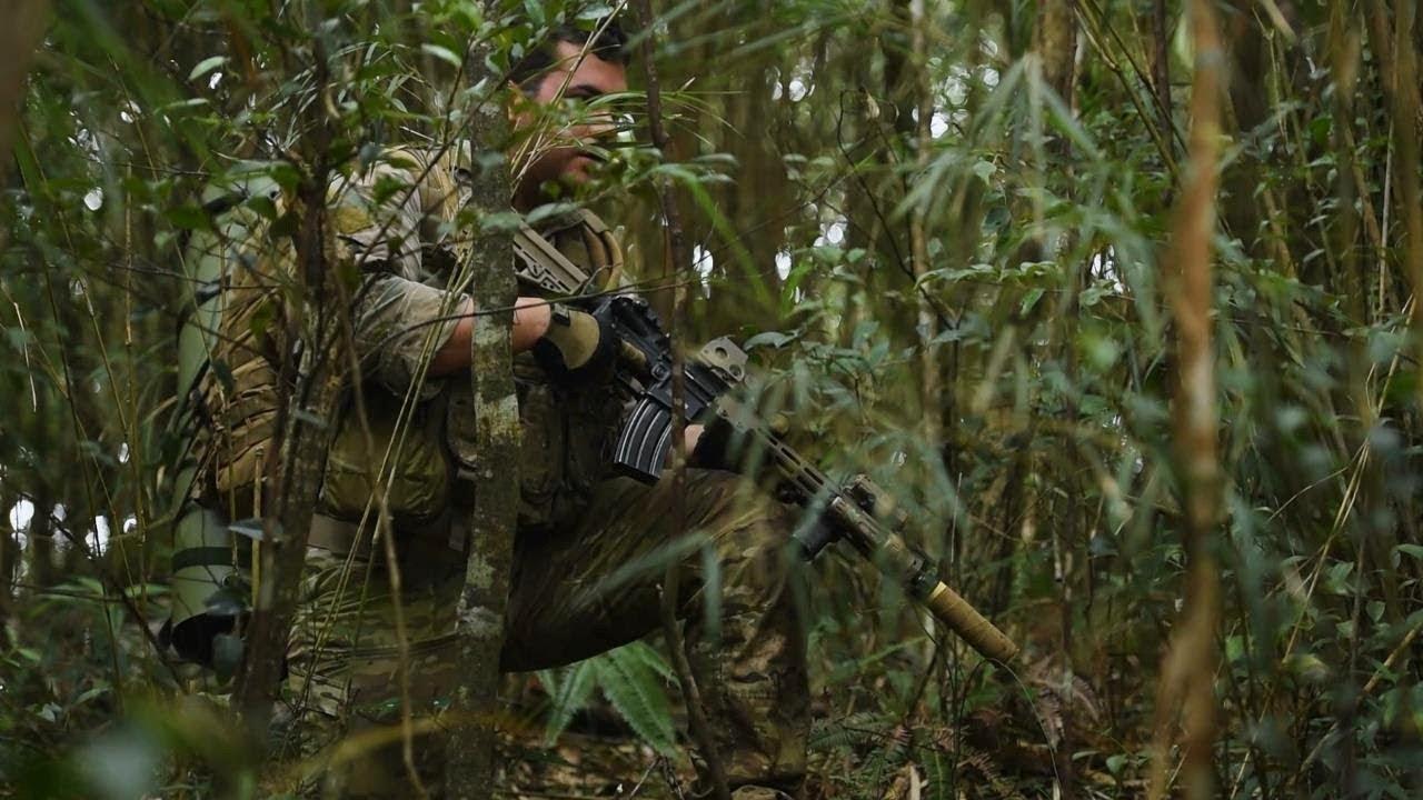 Lính đặc nhiệm Mỹ học cách sinh tồn trong rừng nhiệt đới