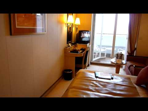 Queen mary 2 qm2 my cabin youtube for Sheltered balcony qm2