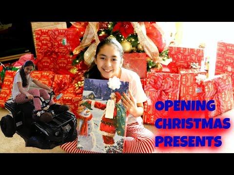 OPENING CHRISTMAS PRESENTS |B2cutecupcakes