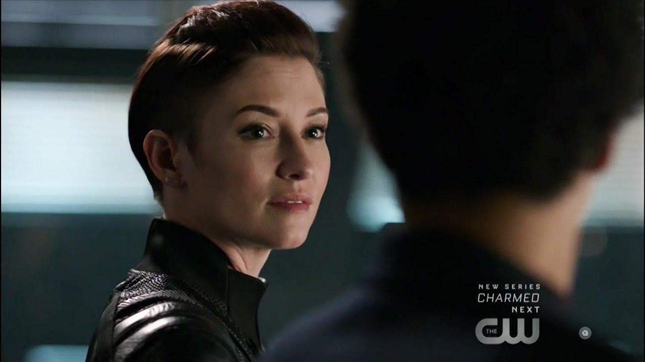 Supergirl 4x05 Col Haley Congratulates Alex Danvers Youtube