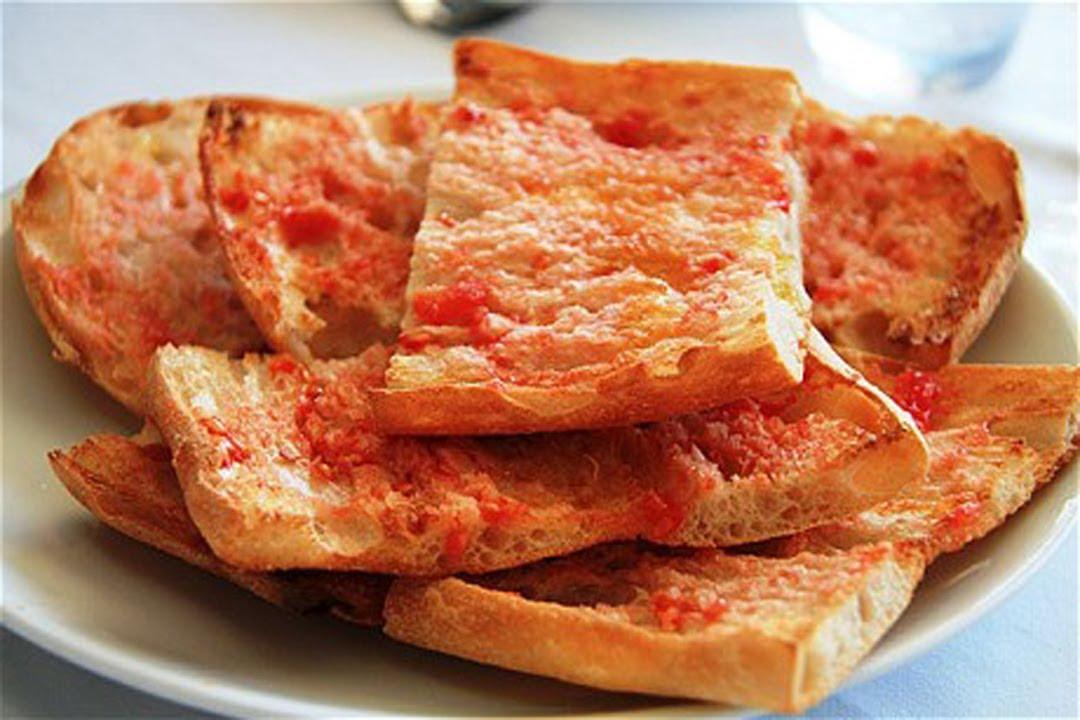 Resultado de imagen de pan con tomate
