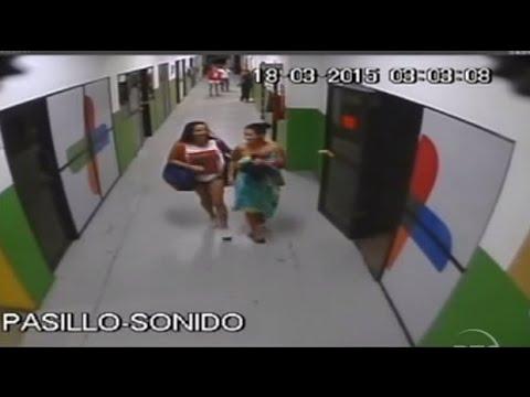 Combate RTS - ¿Que Hace Karina Hidalgo sin ropa en los pasillos del canal