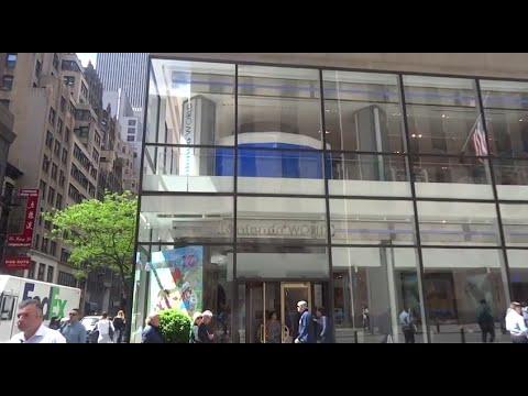 Pokemon Center / Nintendo World NYC store tour (LONG)