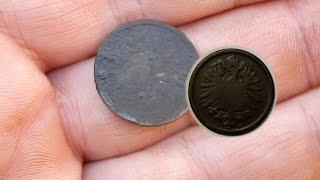 Ищем господский двор.  Поиск монет и кладов металлоискателем .