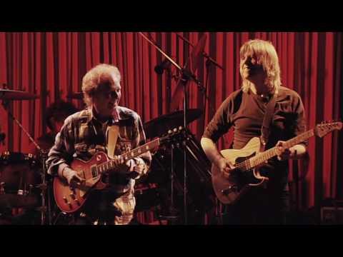 Resultado de imagen de Lee Ritenour & Mike Stern with The Freeway Band - Blue Note Tokyo 2011
