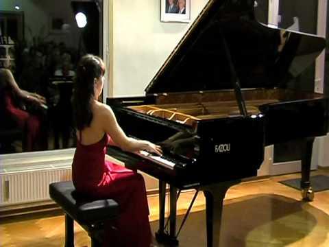 Johannes Brahms (1833-1897)   Klavierstücke op.117 Nr. 1 Piano Diana Brekalo
