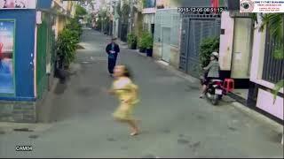 Trộm chó CÔNG KHAI trước mặt chủ nhà | camera an ninh quay lại