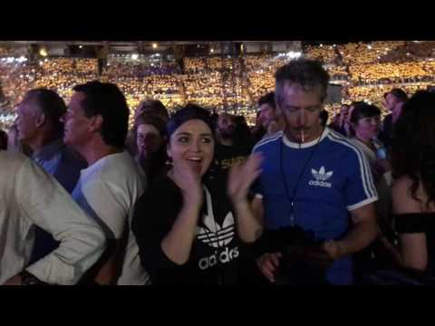 2017-07-15 U2 With or Without You coreografia Eve Hewson si emoziona
