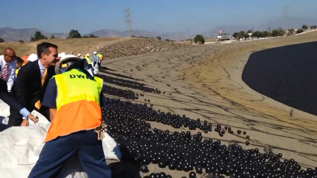 LA's shade balls actually worked - YouTube