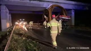 15.11.2019 - special transport køre ind i bro