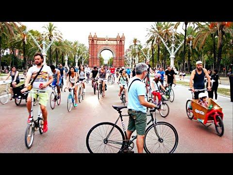 Critical Mass cycling in Barcelona.