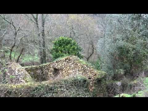 Aldeia Abandonada do Pessegueiro – Serra do Espinhal