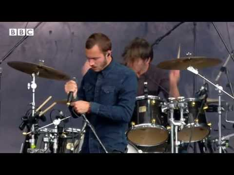 Editors - A Ton Of Love at Reading Festival 2013