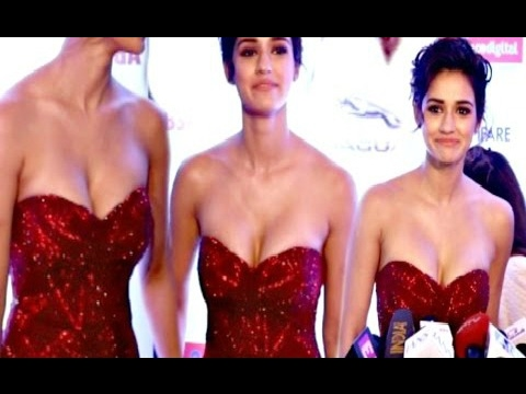Disha Patani Juicy Cleavage Compilations thumbnail