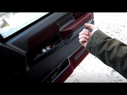 Diy How To Remove A Door Panel 1988 1994 Chevy Gmc Truck Youtube