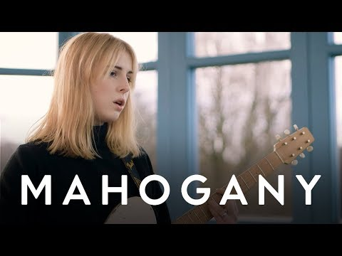 Fenne Lily - For A While   Mahogany Session