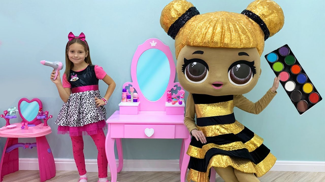 Download Sofia plays Hair Styling Beauty Salon with LoL Dolls & Toys