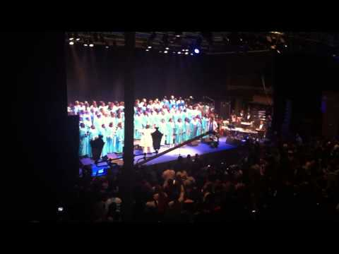 Deitrick Haddon & Total Praise Mass Choir -