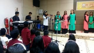 Download Vayalu Vilayana Kazhcha MP3 song and Music Video