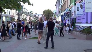 Кто то гуляет, кто то танцует, но всем весело -  ЛЕТО! Street! Music! Dance!