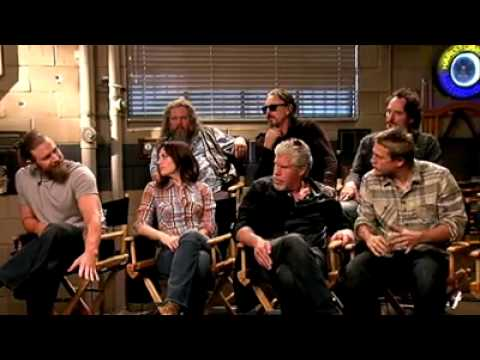 Interview with the cast (Sons o Anarchy)..