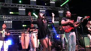 Los Yes Yes-Cholita De La Cumbia En Vivo