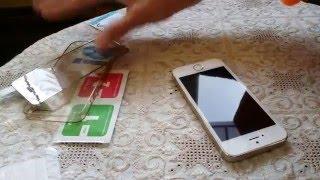 Клеим защитное стекло ( зеркальное ) на экран телефона iPhone 5S. Видео N2(, 2016-04-05T17:39:32.000Z)