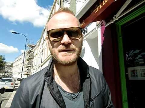 Will Champion from Coldplay say hello to Coldplayfan!