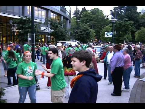 Seattle Square Dance Flash Mob (HOBY)