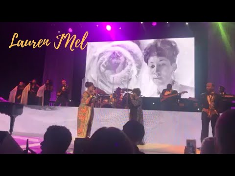 Anita Baker Brings Kelly Price On Stage For Aretha Franklin Tribute & Sings