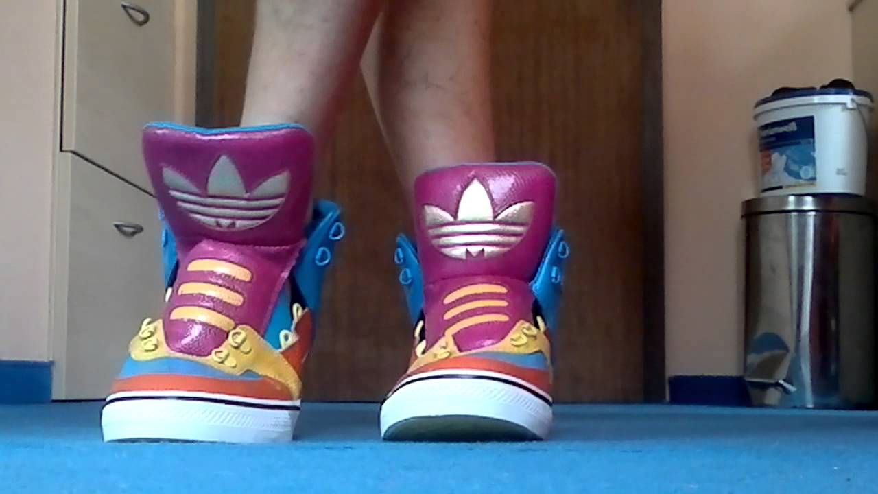 cd794af4d1248f adidas jeremy scott bones multicolor - YouTube