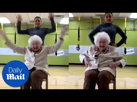 93-year-old woman loves exercise class! - Daily Mail