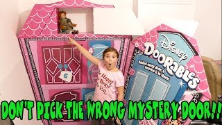 Don't Pick The Wrong Mystery Door! With Disney Doorables!