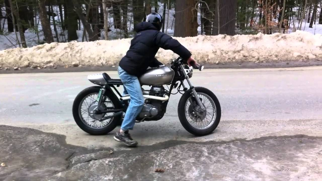 77 kz400 cafe idle and rev - youtube