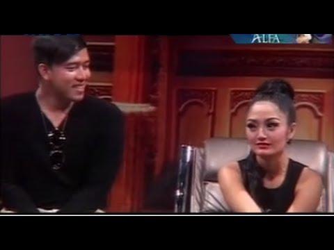 Siti Badriah Kembali Ke Pelukan Ruri Vokalis Band Republik ?