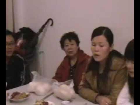 Kaifeng Jews sing Gesher Tzar Maod