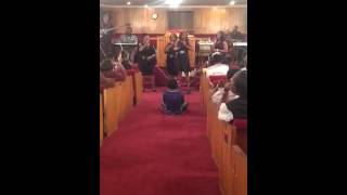 "Women of Faith singing ""Hold On"""