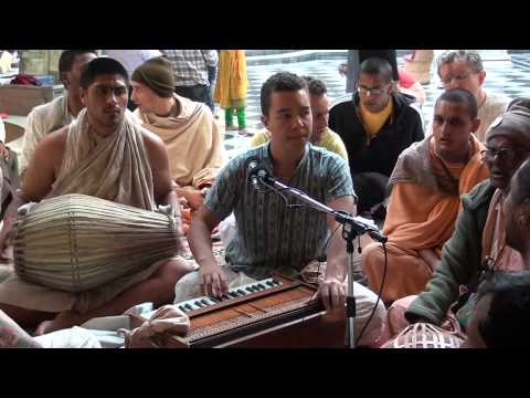 Vijay Krsna - 24 Hours kirtan (ISKCON Vrindavan)
