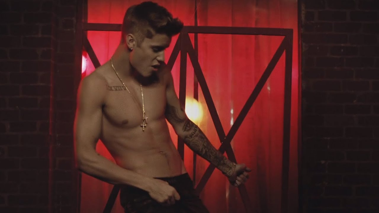 hospital shirtless Justin bieber