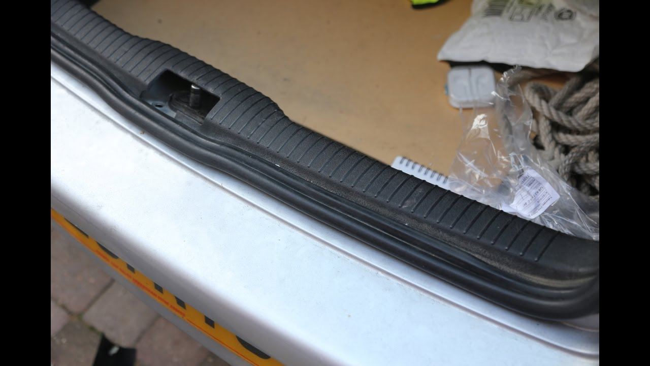 Vw Golf Bora Jetta Rear Boot Trunk Interior Plastic Trim