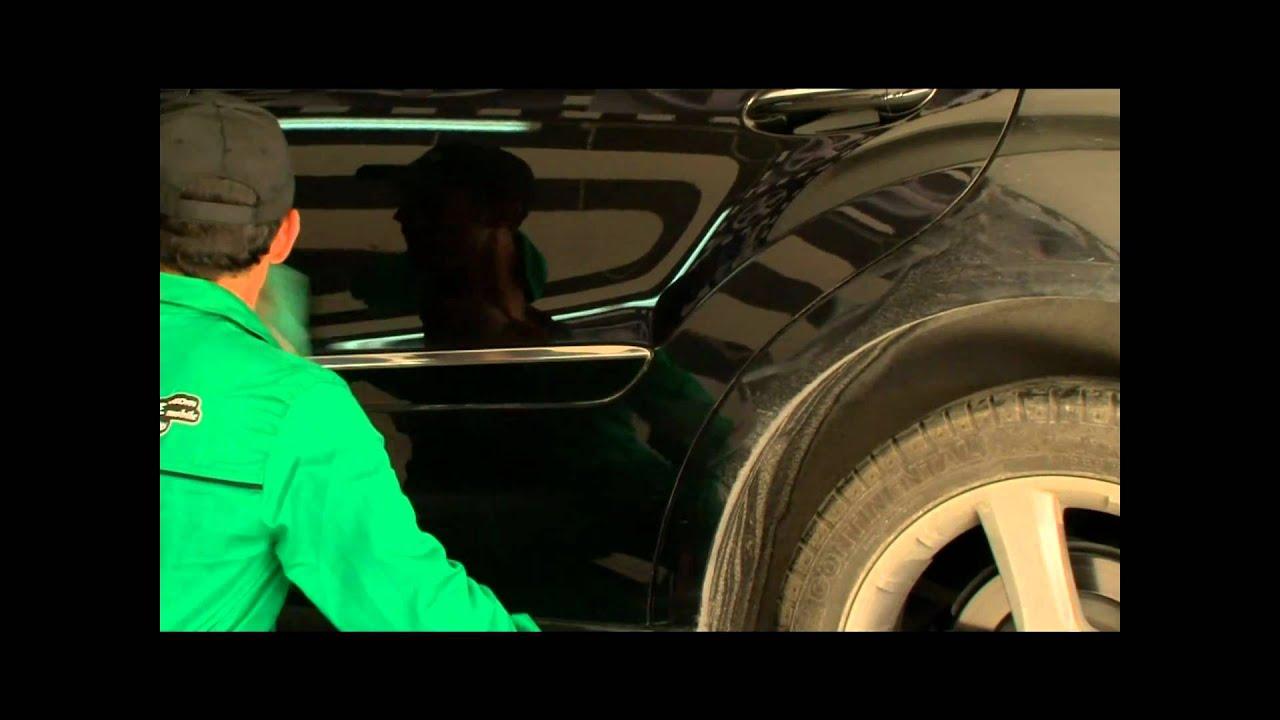 Otomobilin yüzeyinin temizlenmesi için boya ve diğer yöntemleri kaldırma