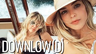 Miley Cyrus and Kaitlynn Carter Are Seemingly Inseparable   The Downlow(d)
