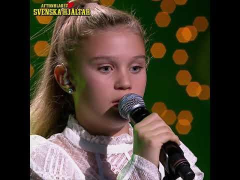 """Ida-Lova sjunger """"Utan dina andetag""""på Svenska Hjältargalan 2017"""