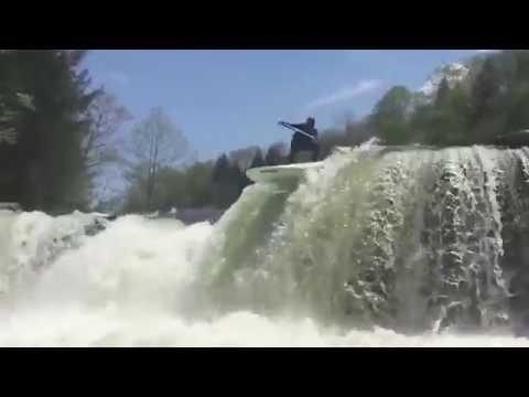Du paddle hardcore dans les rapides !