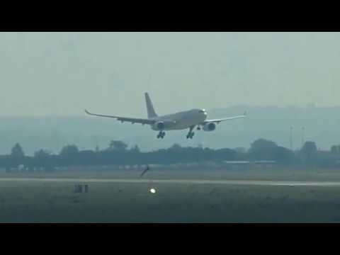 PLANE SPOTTING Morning Heavy Departures and Arrivals at Paris Orly (09/02/2017)