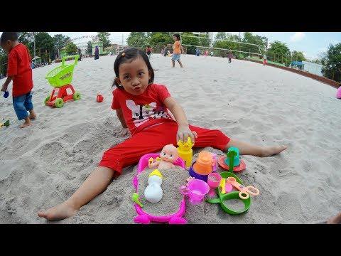 ❤ Permainan anak anak  ❤ Mainan anak perempuan bermain pasir 😍 Mainan anak kecil di GOR Purwokerto