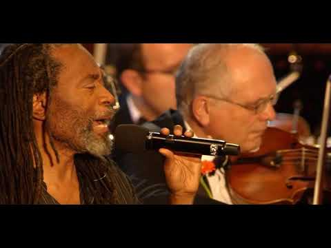 Bobby McFerrin and the Czech Philharmonic Orchestra in Prague without song Don't Worry Be Happy