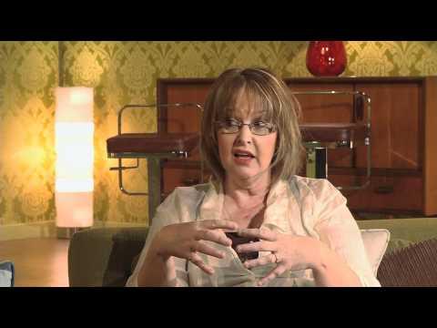 Hwb — Cyfweliad Caryl Parry Jones Interview (22/04/12)