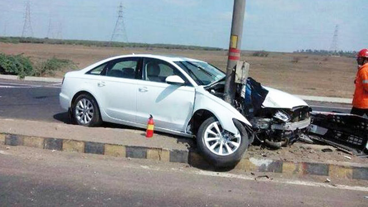 Latest Car Accident of Audi A4 - Road - Crash - Compilation ...