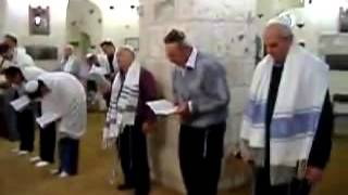 Karay Karaim Türkleri namaz kılarken